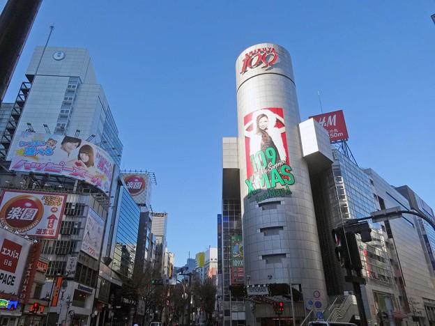 渋谷で着物イベントやりたい。着付けて茶飲んで歩くとか。